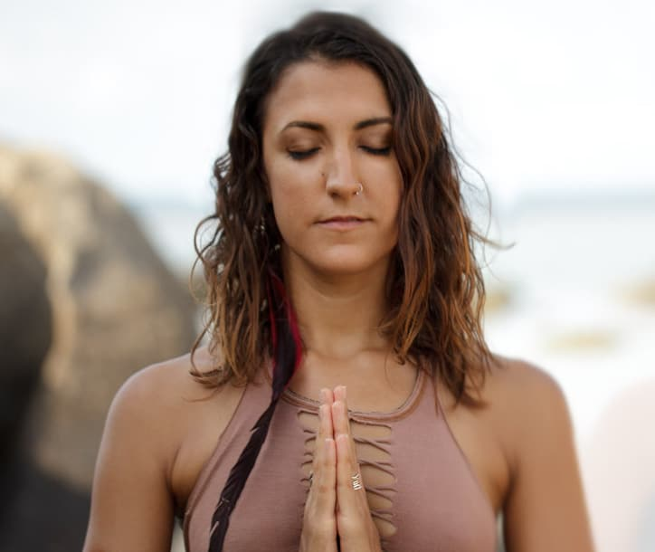 Alisa Suttiboon - Yoga Teacher